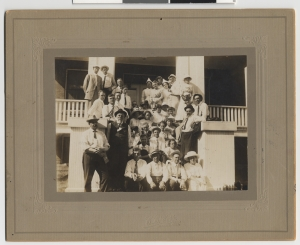 """Staff of the """"New"""" Starbuck Hospital in 1913"""
