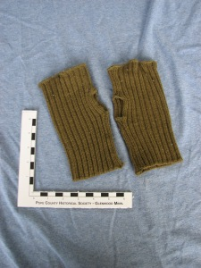 Knitted mitts from WWII